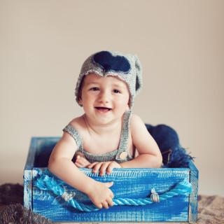 niemowlak na sesji, sesja dla niemowlaka, fotografia dziecięca w koninie