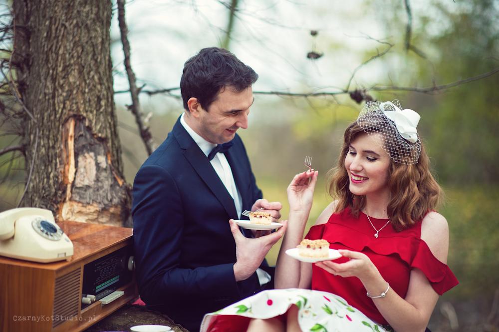 herbatka i ciastko w parku