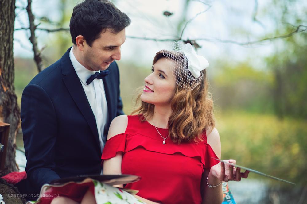 zakochana para podczas pleneru ślubnego