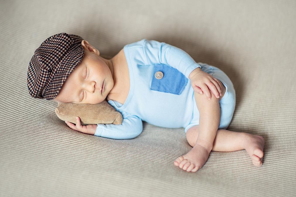 noworodek na sesji, sesja w pierwszych 14 dniach