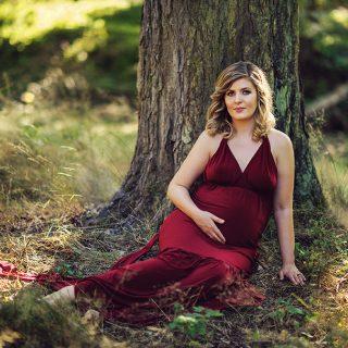 suknia do sesji ciążowych, kiedy wykonujemy sesje ciążowe, sesja ciążowa w plenerze