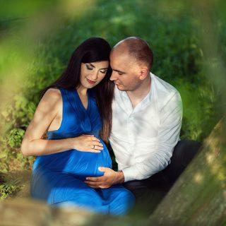 rodzinna sesja ciążowa, rodzica, sesja ciążowa w plenerze, czarny kot studio
