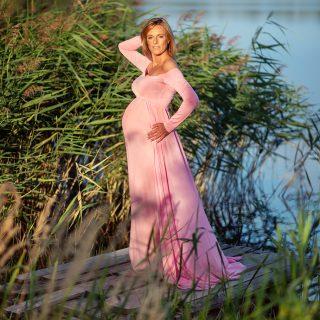 letnia sesja ciążowa plenerowa, fotograf ciążowy, czarny kot studio