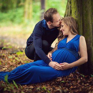 sesja ciążowa w plenerze, mąż na sesji ciążowej,