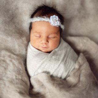 sesja noworodkowa, zdjęcia noworodków, fotograf noworodkowy konin