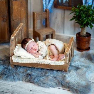 sesja zdjęciowa noworodkowa, sesja dla noworodka, fotografia noworodkowa, fotograf noworodkowy konin