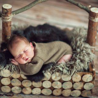 sesja w studiu noworodka, fotograf noworodkowy
