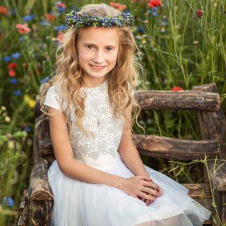sesja w kwiatach dziecięca