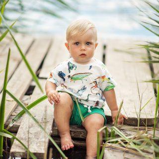 lato z dzieckiem, sesj amalucha, niemowlak na sesji, sesja w plenerze, czarny kot studio, fotograf konin
