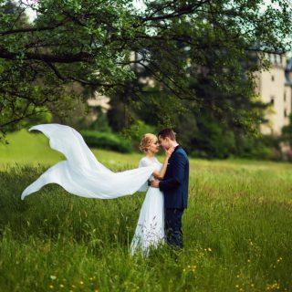 sesja plenerowa ślubna w Gołuchowie, pomysł na sesję plenerową