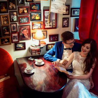 retro plener ślubny, sesja w kawiarni,ciekawy pomysł na sesję