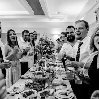 zabawa weselna, goście weselni, fotograf weselny konin, poznań, koło, słupca września