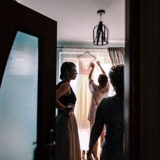 reportaż ślubny z przygotowań panny młodej, zdjęcia ślubne konin