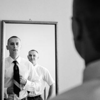 przygotowania do ślubu pana młodego, zdjęcia ślubne konin