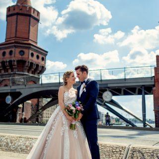 slub zagraniczny berlin, sesja ślubna w mieście, plener zagraniczny, fotograf konin
